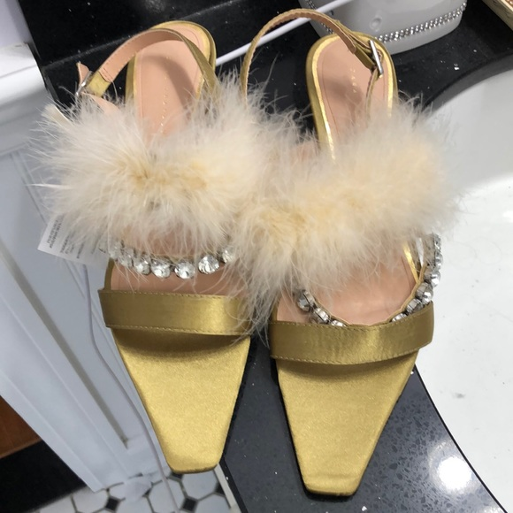 NWT Zara Feather Crystal Sandals.